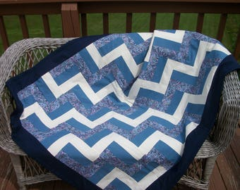 Blue and white quilt | Etsy : blue and white quilts - Adamdwight.com