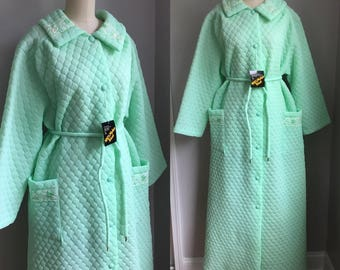 Vintage 1960s NOS Deadstock Mint Green Quilted Nylon Robe Size Large XL with tag