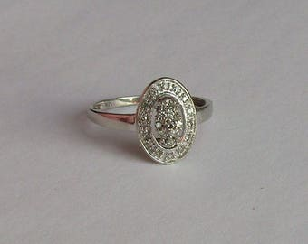 Oval Diamond Dazzle Halo Ring in solid 10K W Gold, size 7, free US first class shipping on vintage