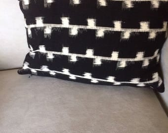 Black and White Ikat Design Throw Pillow. Handwoven
