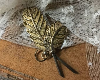 Elegant Gold Wash Filigree Feather Plume Brooch Pin Unsigned 1940's 1950's Understated Yet Detailed Design Feminine Woman Gold Tone Metal