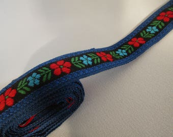 """Vintage Trim Woven Ribbon with Retro Floral Design 62 inches x 1"""" wide not perfect"""