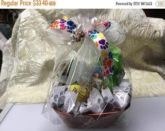 Dog gift basket etsy on sale welcome puppy gift basket with stained glass negle Images