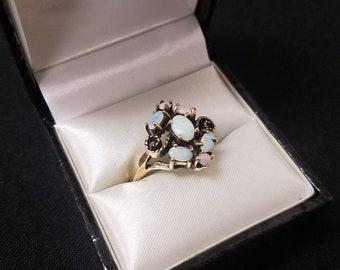 14K Gold Opal Ring size 7.5