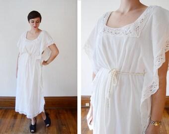 1970s Crochet and Cotton White Kaftan - M
