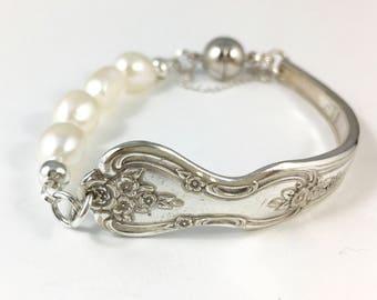 Cutlery Jewelry, Silverware Bracelet, Fork Bracelet, Wife Gift, Spoon Jewelry, Spoon Bracelet, Silver Spoon Bracelet, Spoon and Pearl