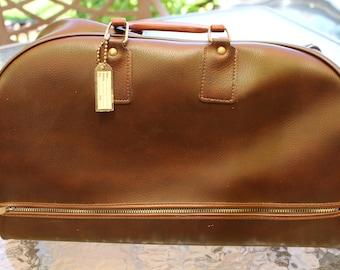1960's Vinyl Faux Leather Large Gym Duffle Bag Satchel Pullmatic Zipper Appears Unused