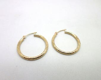 10K Yellow Gold Hoop Earrings Simple Etched Design Lightweight