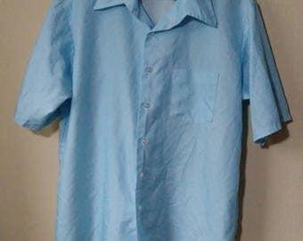 1970s Montgomery Ward short sleeve light blue pokadot polyester shirt XXL