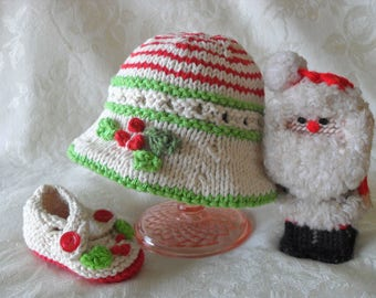 Hand Knitted Christmas Baby HAT and MATCHING BOOTIES Set Brimmed Baby Hat Knitted baby hat Knitting Newborn Baby Hat Mistletoe Hat