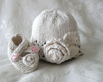 Knitted Baby Ivory Rose Hat and Matching Rose Booties Set Lace cloche Ivory Baby Beanie Knitting Newborn Baby Hat Children Clothing