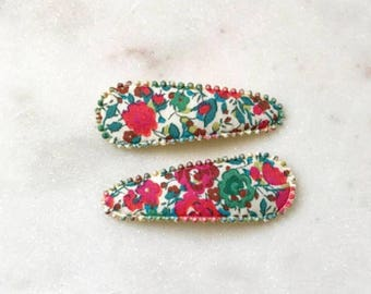 LIBERTY PRINT HAIRCLIPS handmade by Josie Joan's in Holly (red-green)