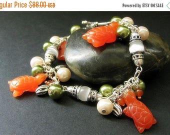 SUMMER SALE Tortoise Bracelet. Charm Bracelet with Cats Eye Turtles, Carnelian Agate and Pearls. Handmade Bracelet.