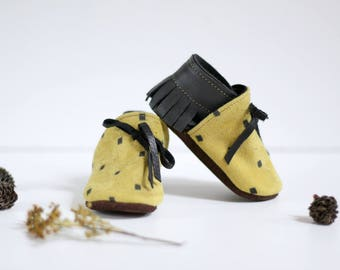 eco-friendly soft sole leather baby mocassins,slippers ,reclaimed leather, yellow, dark grey, black, lace up. 0-6 months