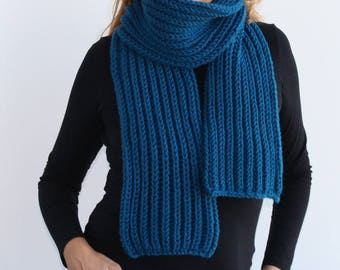 Blue knitted scarf, Chunky knit scarf in blue,  Women knit scarf.