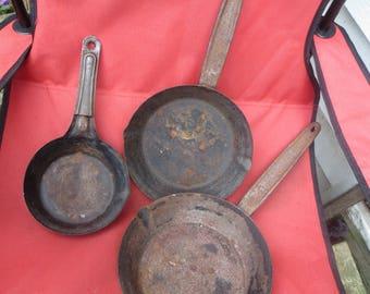 Vintage 3  Tin Metal Fry Pan Roasting Pan Skillet Metal Camping  PanS USA