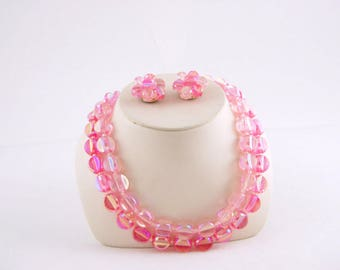 Early 1960s Pink Plastic Necklace and Earrings - Bright Pink 50s 60s Jewelry // Plastic beads Bright Pink Cerise // Fuchsia
