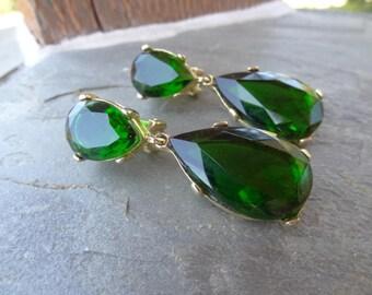 Kenneth Jay Lane Emerald Green Swarovski Crystal Teardrop Clip on Earrings Green Rhinestone Drop vintage