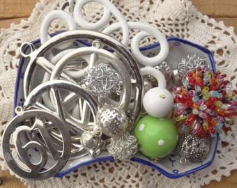 Vintage Jewelry Lot - 1960s Charms - Disco - Huge Peace Charms - Peace Jewelry - Beaded Ring Vintage Findings - D111