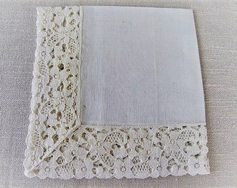 Vintage Brides Handkerchief, Ivory Cotton Linen Hankie with a Gorgeous Lace Border, Vintage Wedding Gift Wrap, Tea Napkin, ECS, FREE Ship