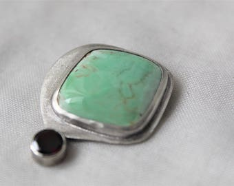 Sterling silver Brooch with Australian Variscite and a red garnet Gemstones