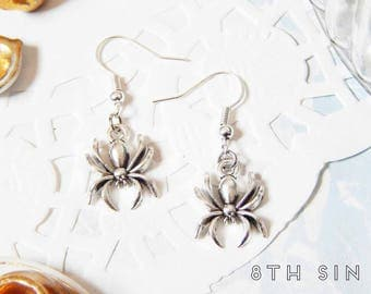 Antique Silver Spider Earrings, Antique Silver Spiderweb Earrings, Antique Silver Spider Web Earrings, Gothic Spider, Black Widow Earrings