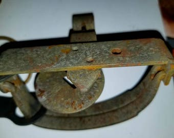 Vintage Oneida Victor Steel Small Game Hunting Metal Trap