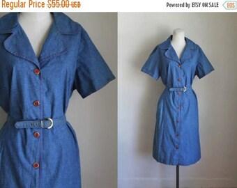 AWAY SALE 20% off vintage 1950s dress - CHAMBRAY & Red shirt dress / L-Xl