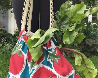 Farmers market bag, reusable grocery tote, reversible purse, tomatoes and garlic print, vegetable fabric, boho bag, craft needlework bag