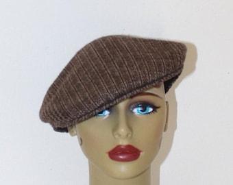 SALE Vintage Wool NEWSBOY Cap . Brown TWEED Boyfriends Bill Cap . Kangol Hat Made in Uk .