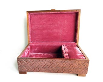 "Vintage DI ALPEN Hand Carved Brown Wood Reuge Swiss Music Jewelry Box - Flowers - Pink Lining - Bakelite Knob - 10 1/4"" L x 6 3/4"" W x 4"" H"