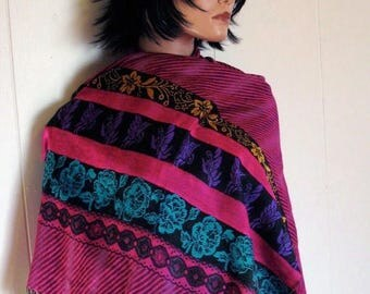 15 % off GORGEOUS Boho Bohemian Ethnic  Silk Pashmina Shawl Scarf MINT Condition