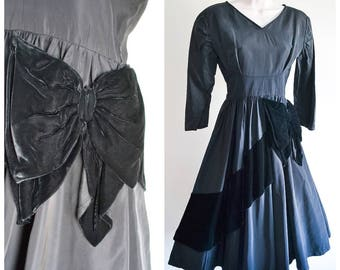 1940s 50s Black taffeta & silk velvet bow full skirt evening dress / 40s 1950s D. Lynn cocktail dress XS