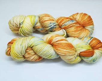 "Merino wool in DK, hand dyed yarn - 100%Superwash merino yarn, new Oveja y Punto base, ""500 days of Summer"" colourway"