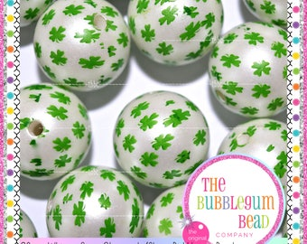 20mm WHITE & GREEN SHAMROCK Bubblegum Bead, Chunky Bead, Gumball Bead, Acrylic Bead, Round Bead, Diy Jewelry Supply, The Bubblegum Bead Co.