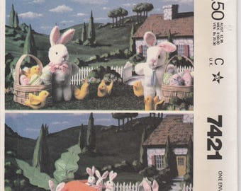 Bunny Family Pattern Carrot Pouch House Rabbit  Uncut  McCalls 7421