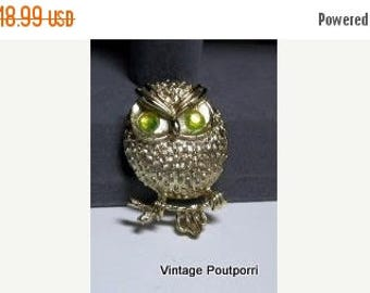"""25% Off 20 Percent OFF Vintage SARAH COVENTRY """"Hooter"""" Owl Brooch-Pin, Gold Tone with Peridot Aurora Borealis Rhinestones"""