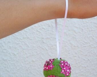 Bouquet boule fushia anis pour baptême enfant ou demoiselle d'honneur