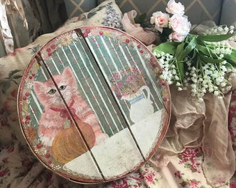 Adorable Vintage Pink Wood Shabby Cottage Chic Hand Painted Hat Box Kitty Cat flowers