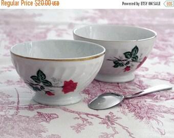 """Set 2 vintage porcelain mini bowl """"Café au lait"""" French bowl. Bowl with red roses flowers . Fine porcelain."""