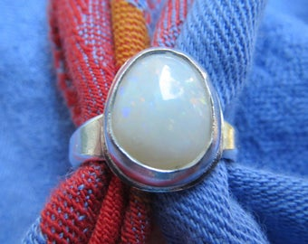 Rosy White Opal Pear Shape in Argentium Ring Size 5 & a Quarter