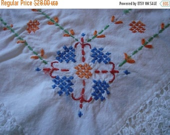 ON SALE Vintage Table Cloth Embroidered Table Cloth