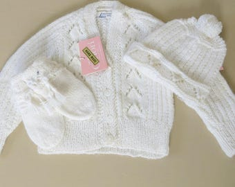 Knit Baby Sweater Hat Mittens White Orlon Acrylic Hand Knit in England 3-9 Months 853b