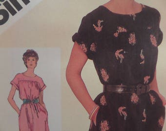 PULLOVER DRESS Pattern • Simplicity 9827 • Miss 14 • Yoked Dress • Scoop Neck Dress • Sewing Patterns • Vintage Patterns • WhiletheCatNaps
