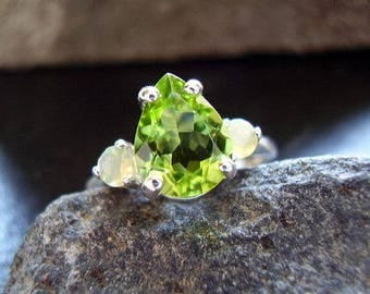 Green Goddess - Genuine Peridot Faceted Pear Cut & Ethiopian Opals 925 Sterling Silver Ring August Birthstone Gift For Her 16th Anniversary