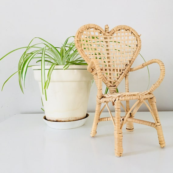 Vintage Wicker Heart Shaped Chair Plant Stand Woven Wicker Heart Doll Chair Boho Decor