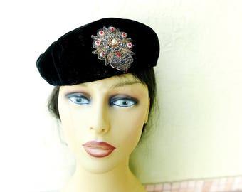 Vintage 50s Velvet Beret, Black Tam, Ladies Fashion Hat