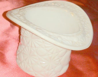 Vintage Fenton Daisy and Button Pattern Milk Glass Top Hat Vase