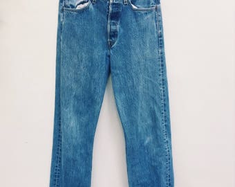 Original iconic authentic women's Levi's 501 jeans - Late 70s early 80's high waisted boyfriend  jeans size 31 X 32