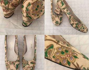 1960's Pretty Pappagallo Floral Pumps